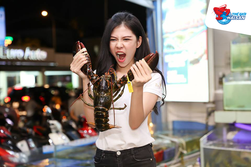 cua-kingcrab-voi-than-hinh-to-khoe-lam-nguoi-thuong-thuc-ngo-ngang
